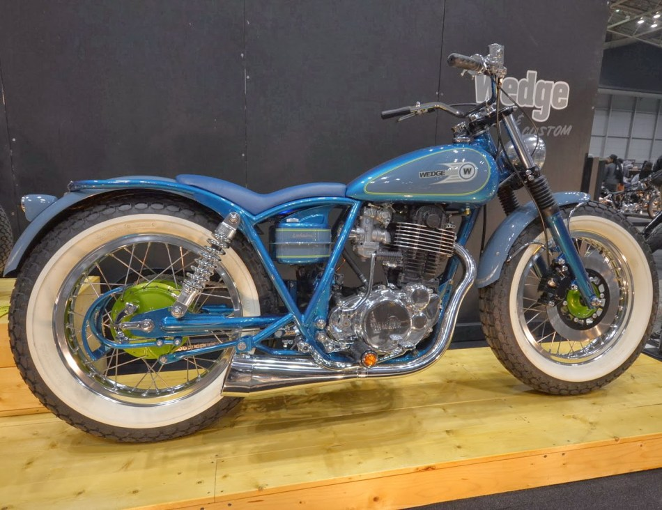 YAMAHA-SR400 by Wedge paint-factory