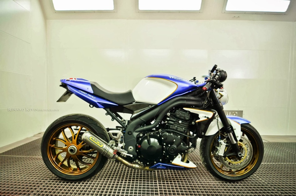 Triumph Speed Triple by FCR Original