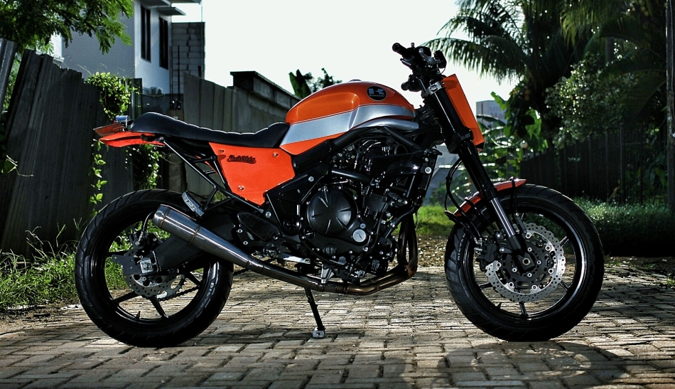 Kawasaki Versys 650 THE JERK by Studio Motor